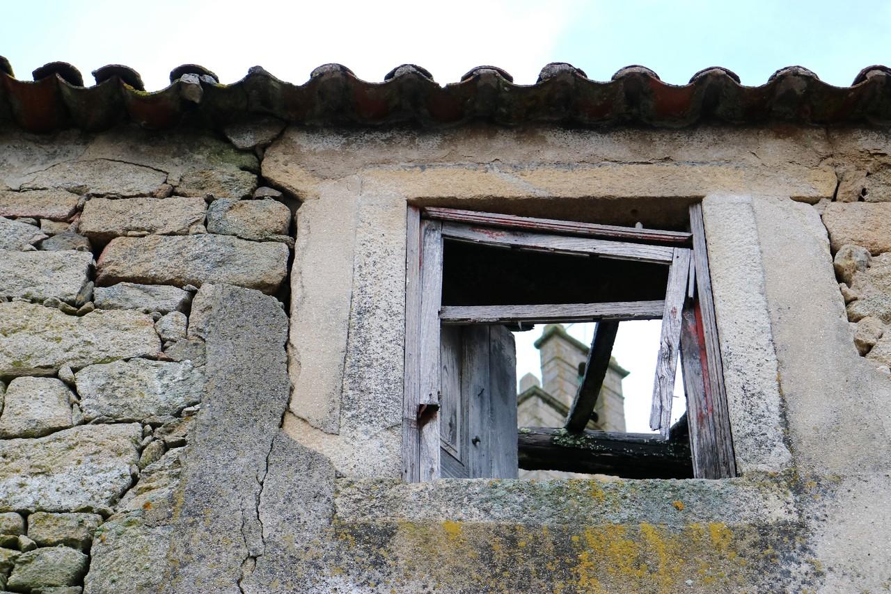 janela e a torre.jpg