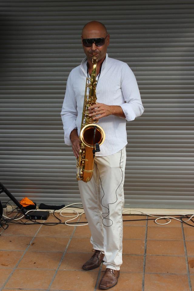 7-saxofonista.JPG