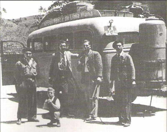 Autocarro a gasogénio