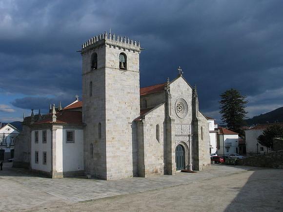 800px-Igreja_Matriz_de_Caminha