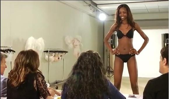 Maria Borges desfila para a marca Victoria's Secret