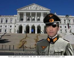 Passos_Coelho - O_ditador
