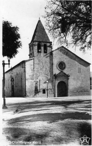 Vista frontal da Igreja Matriz, Chaves