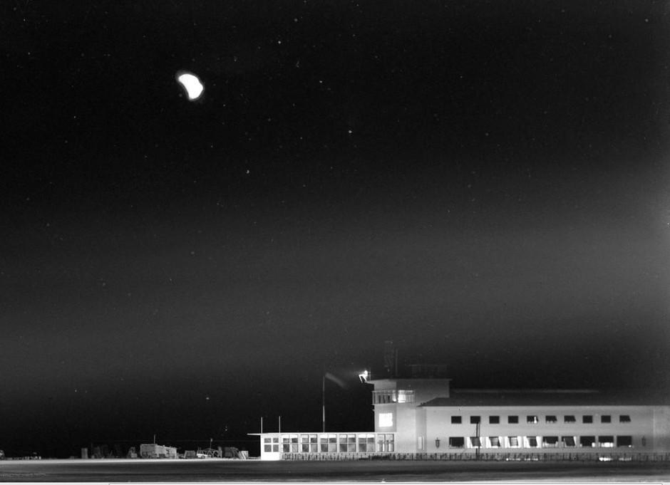 Aeroporto, Portela (M. Novais, 1942-43)